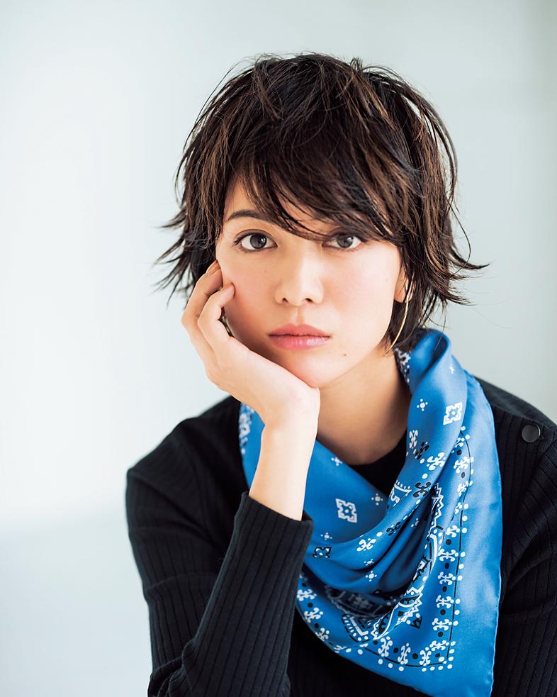 スカーフ¥11,000(マニプ