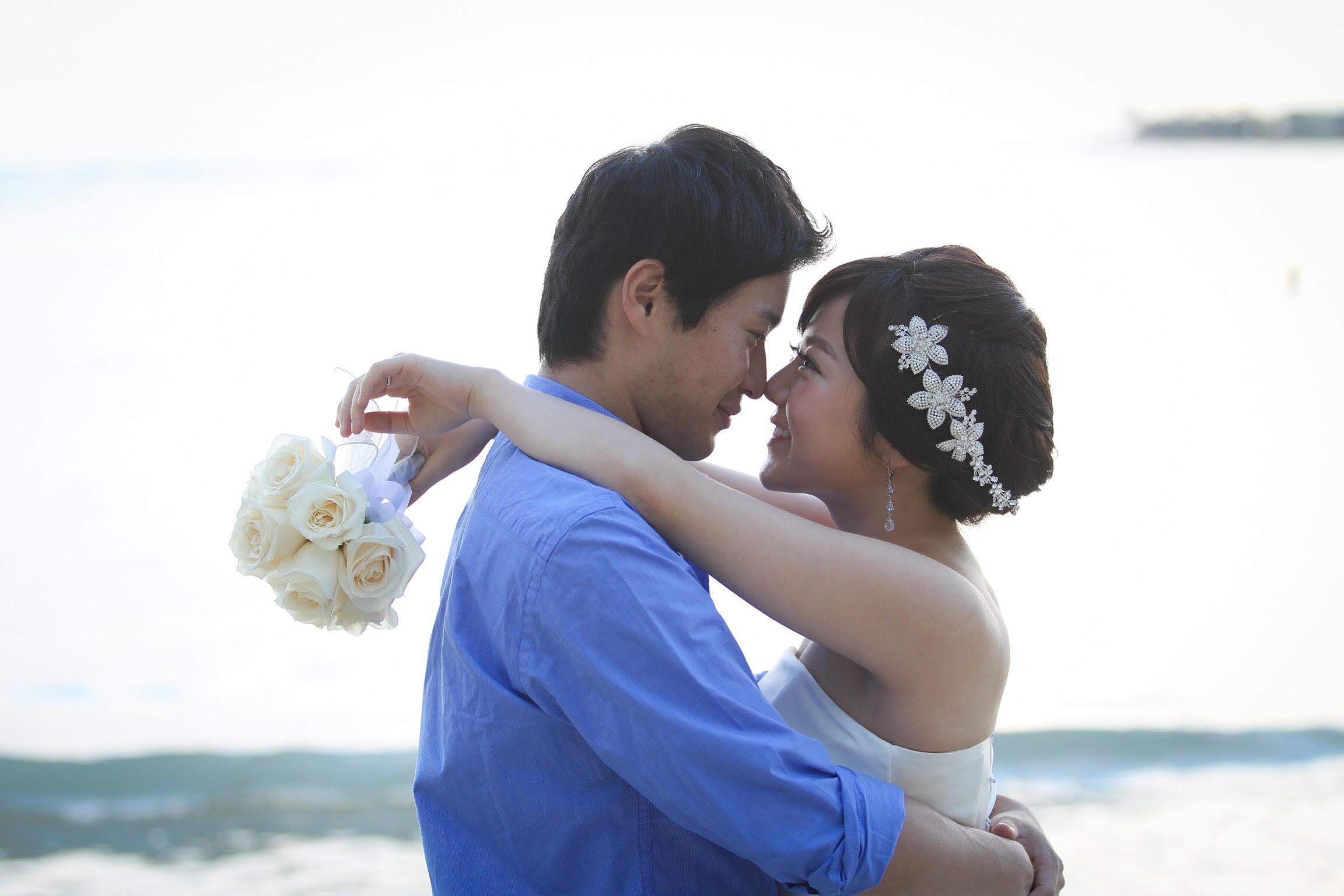 清水竜平さん(28歳)商社勤務、清水麻耶さん(25歳)主婦