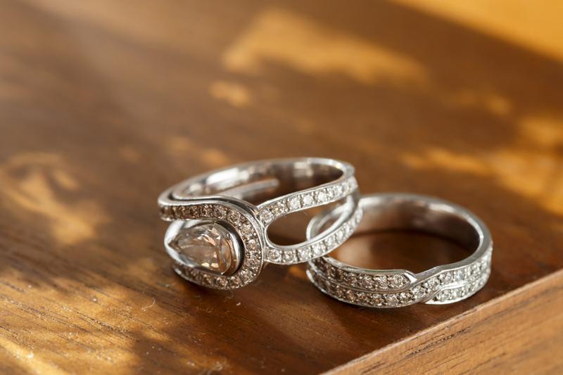 華やかに仕上げた世界に一つだけの指輪