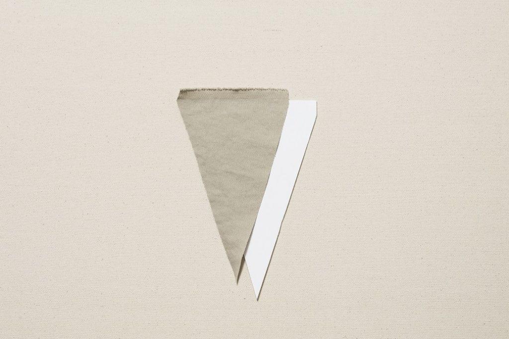 2.1の布地を三角のフラッグ形