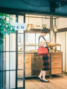 谷中の有名喫茶店カヤバ珈琲が歩