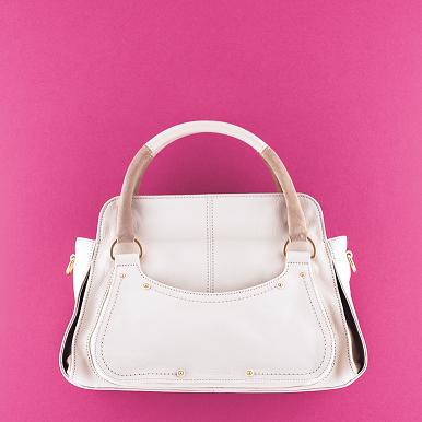 ひとつのバッグで使い方やデザイ