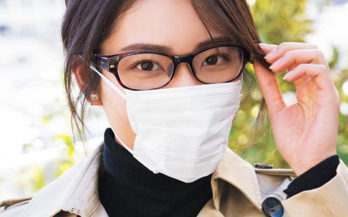 【花粉対策】メガネ、マスクとメークの正しい関係