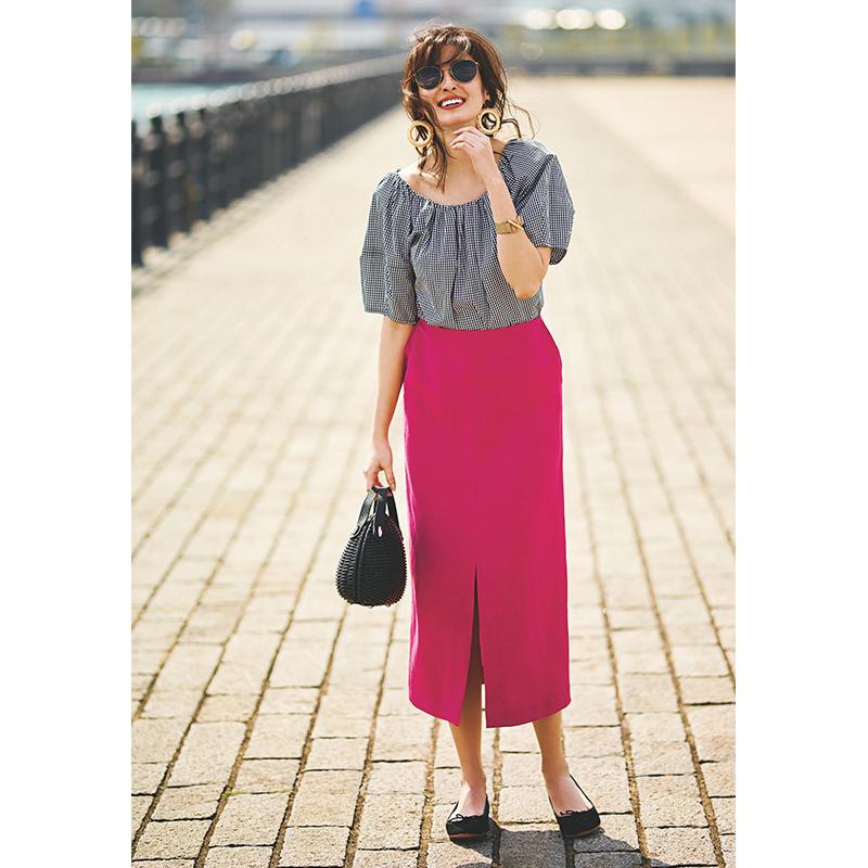 着映え力抜群のピンクスカートは