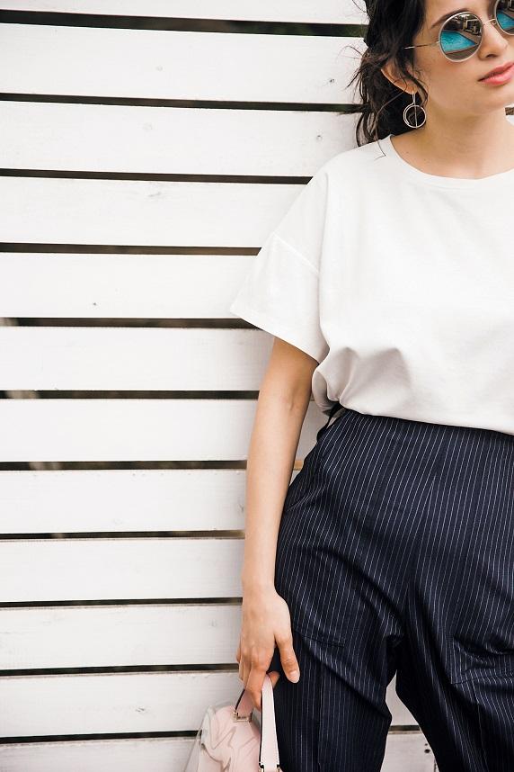 """オシャレに体型カバーできる〝無地厚Tシャツ""""が使える!"""