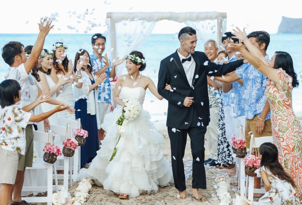 会社への結婚報告はどうするのが正解?快く祝福されるための基本マナー