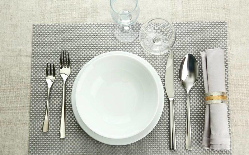 西洋料理では、あらかじめテーブ