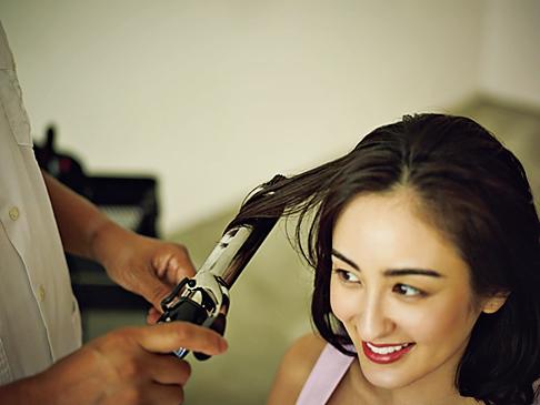 女らしさが増すヘアスタイルは、