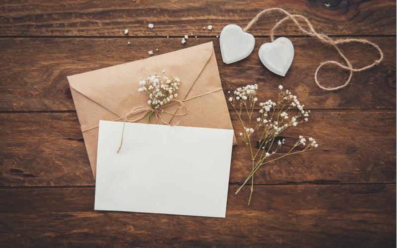 【結婚式招待状の返信マナー】出席、欠席別メッセージ例11選