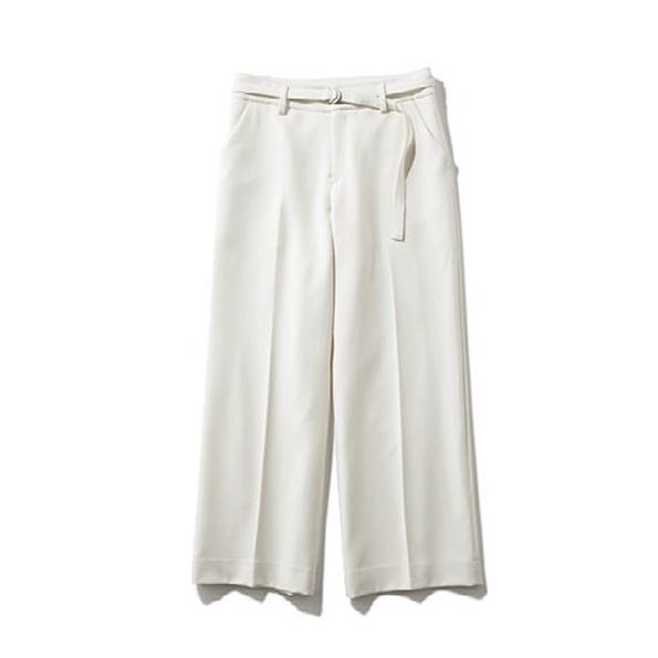 【C】白パンツ きちんと感のあ