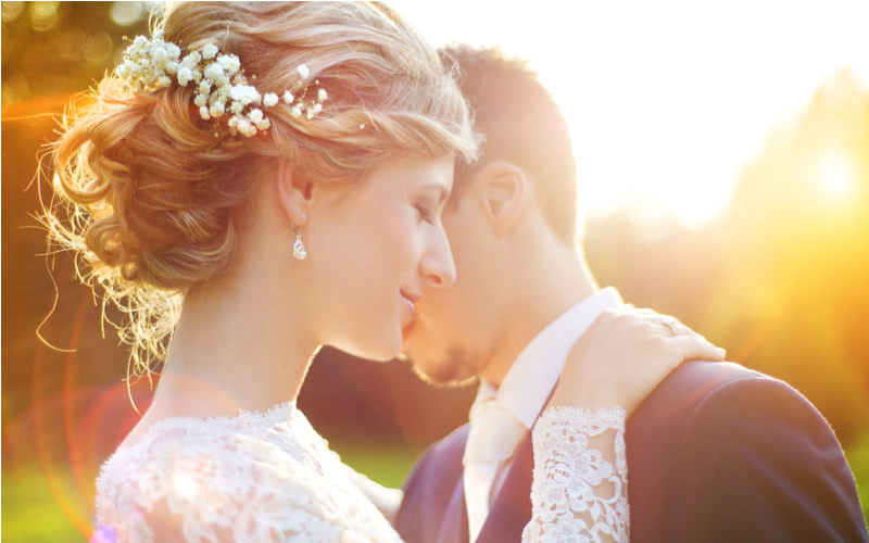 ■秋は結婚式シーズンのため結婚願望が高まりやすい