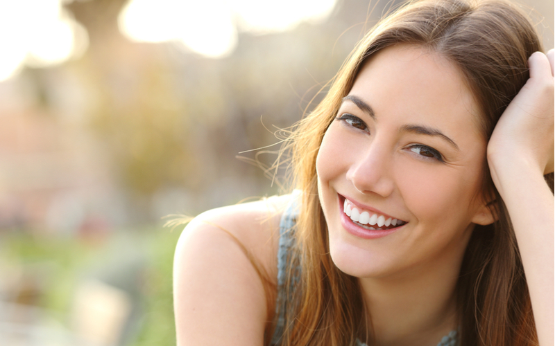 (4)失敗も笑顔で対応する女性