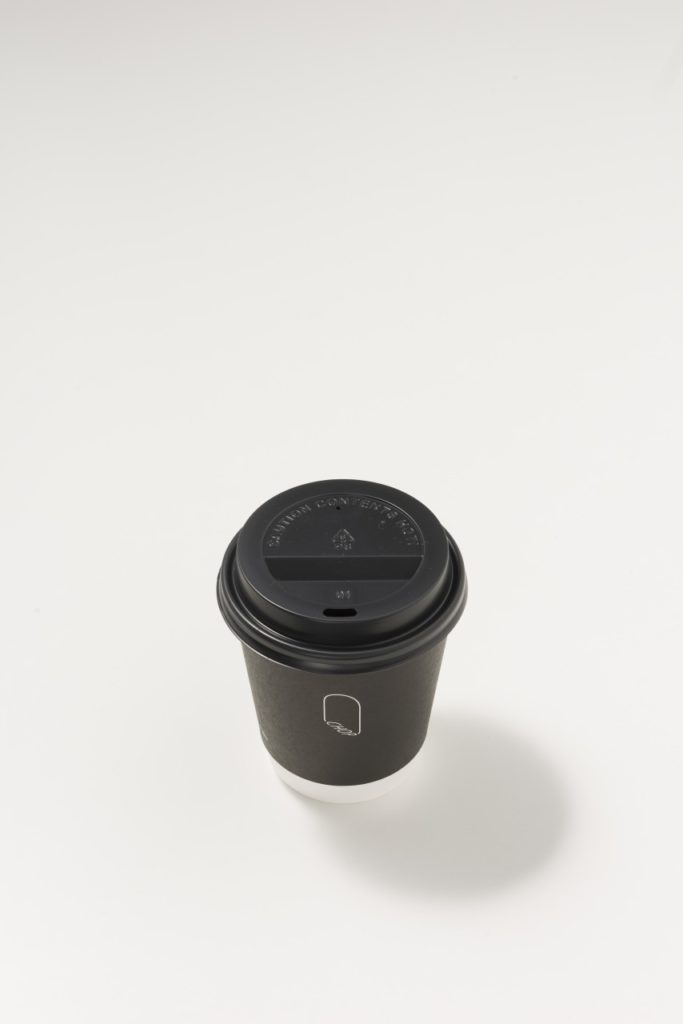 ドリンクカップもシンプルで素敵
