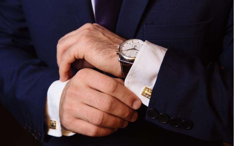 結婚指輪をしない男性はクロ…? 不倫男性を見破る方法