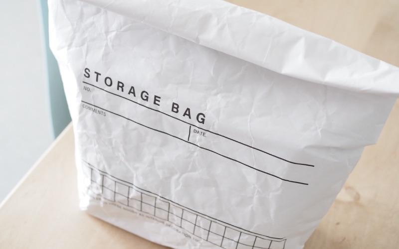 2.収納バッグとしても使える!シンプル可愛い保冷バッグ