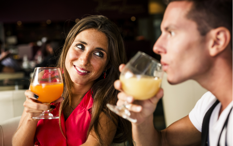 必死行動1:手当たり次第に合コンや婚活パーティーに参加する