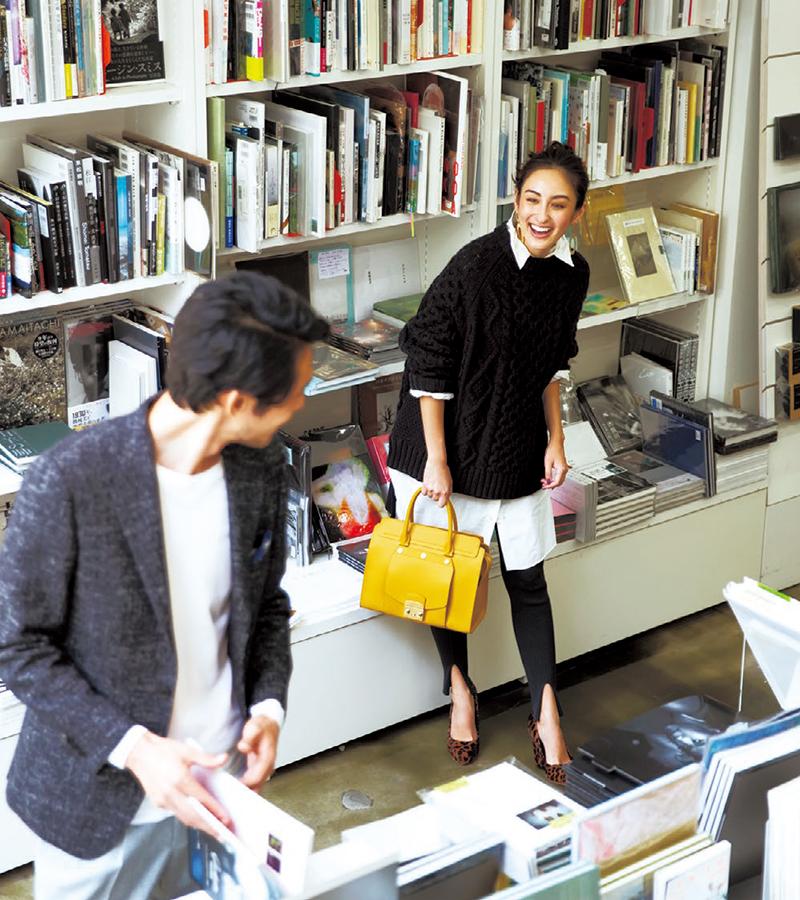 欲しかった本が入荷したという連絡を受けて書店に来たらケンジさんに遭遇。ケンジさんもここの常連だったんだ!【10/16のコーデ】