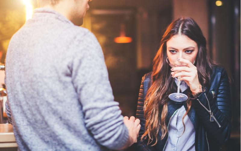(2)ノリが良く、お酒好きな女性