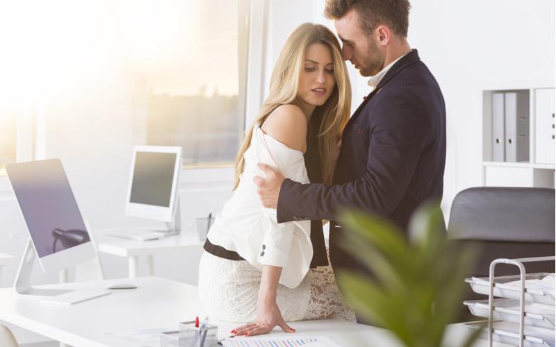 既婚者にコレを言ったら不倫が始まる…上司が勘違いする発言3つ