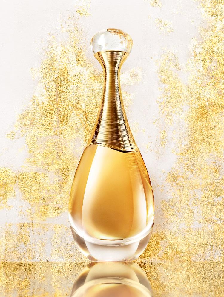 寒さが本格的な時期は「濃厚な」香水にすればオトコはすぐに落ちる!