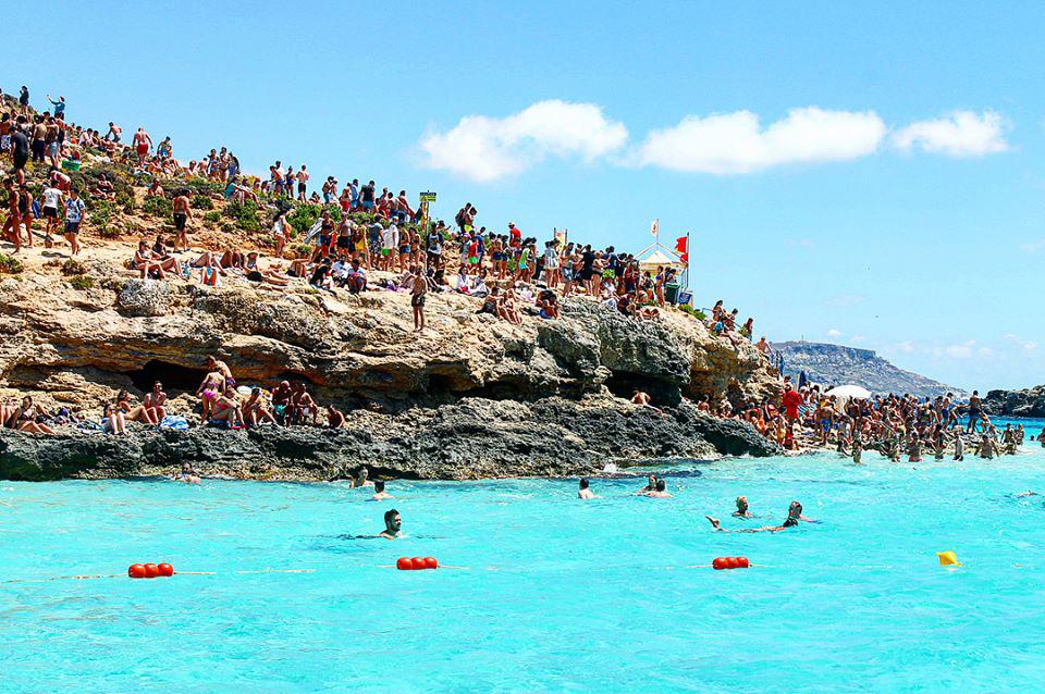 マルタはほぼ淡路島サイズの小さ
