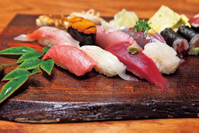 【寿司、親子丼、スイーツ】2019年「築地市場」で注目!メディアで話題の絶品グルメ15選