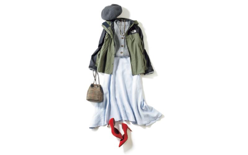 カーキ×ペールブルーの組合せで、スカートをハンサムに【今日のコーデ|着回しDiary】