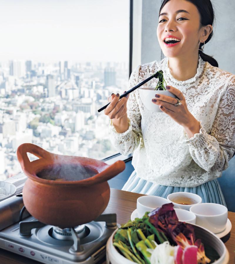 最上階レストランで食べるスパイス料理―至福の掛け合わせ♡ 【1/5のコーデ】