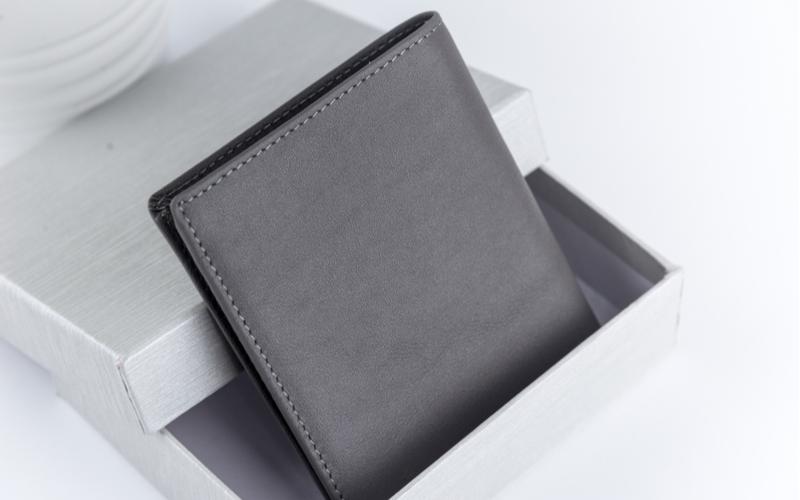■身につけるもので「お財布」