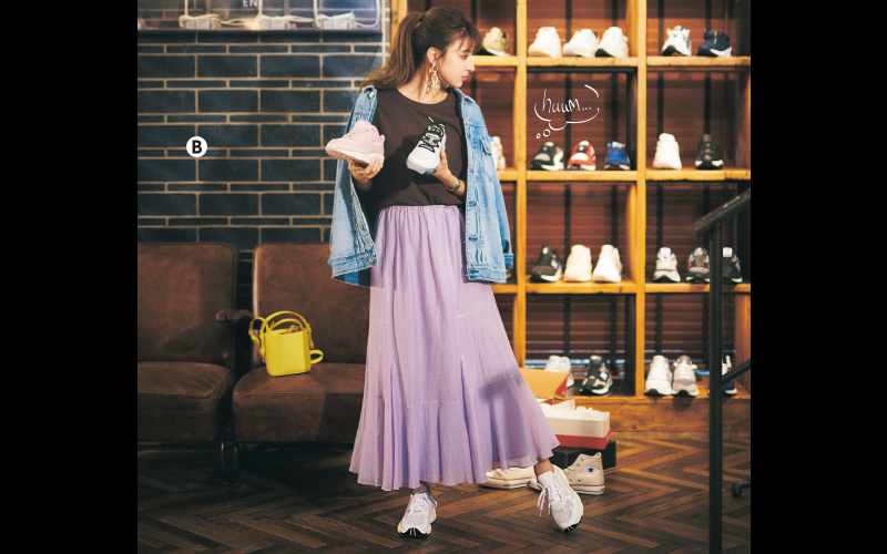 カジュアルなGジャン×白スニーカーにキレイ色スカートで女っぽさを【今日のコーデ|着回しDiary】