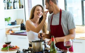 「大好きが止まらない!」結婚しても夫から愛され続ける妻の特徴