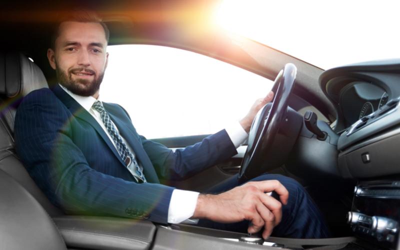 高級車男のドライブ自慢