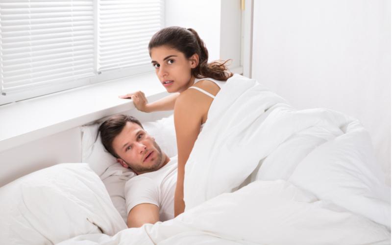 「お前何やってんの?」彼氏に浮気がバレた女性の修羅場エピソード4つ