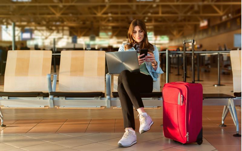 一人旅が趣味という女性も不倫し