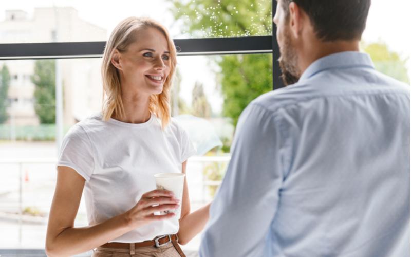 見た目は関係ないんです!アラサー男性が語る社内でモテる女性の条件4つ