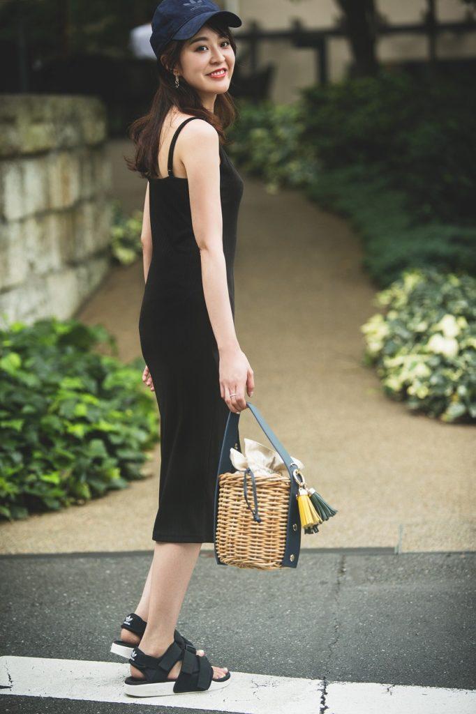 夏の「スポサンコーデ」でオシャレ&スタイルアップのためにやっている5つのこと【東京のアラサー女子SNAP】