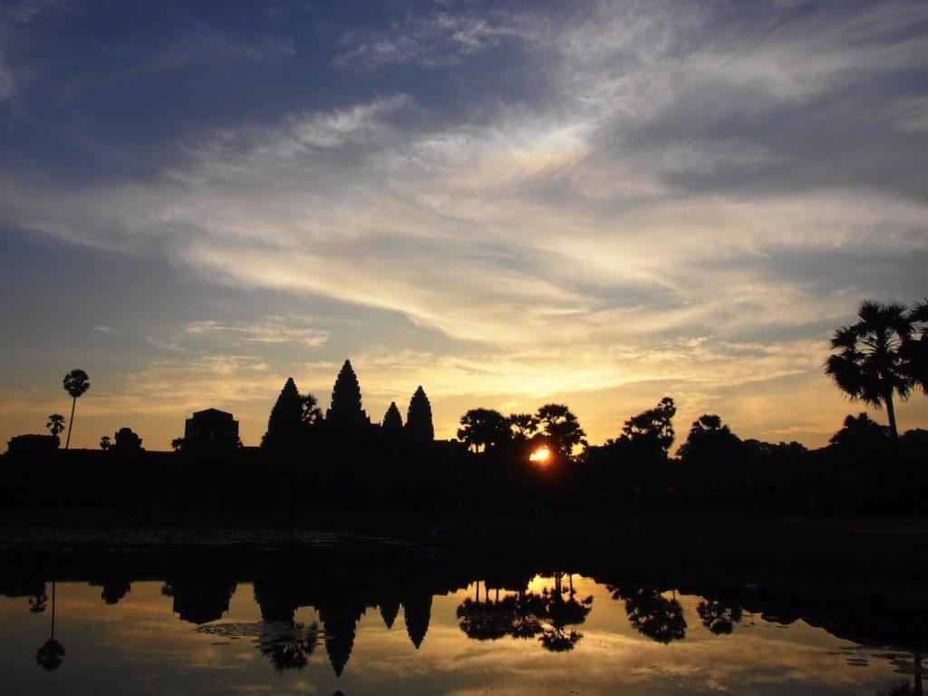 誰もが魅了される遺跡…カンボジア・シェムリアップ観光で行きたい世界遺産「アンコール・ワット」の魅力