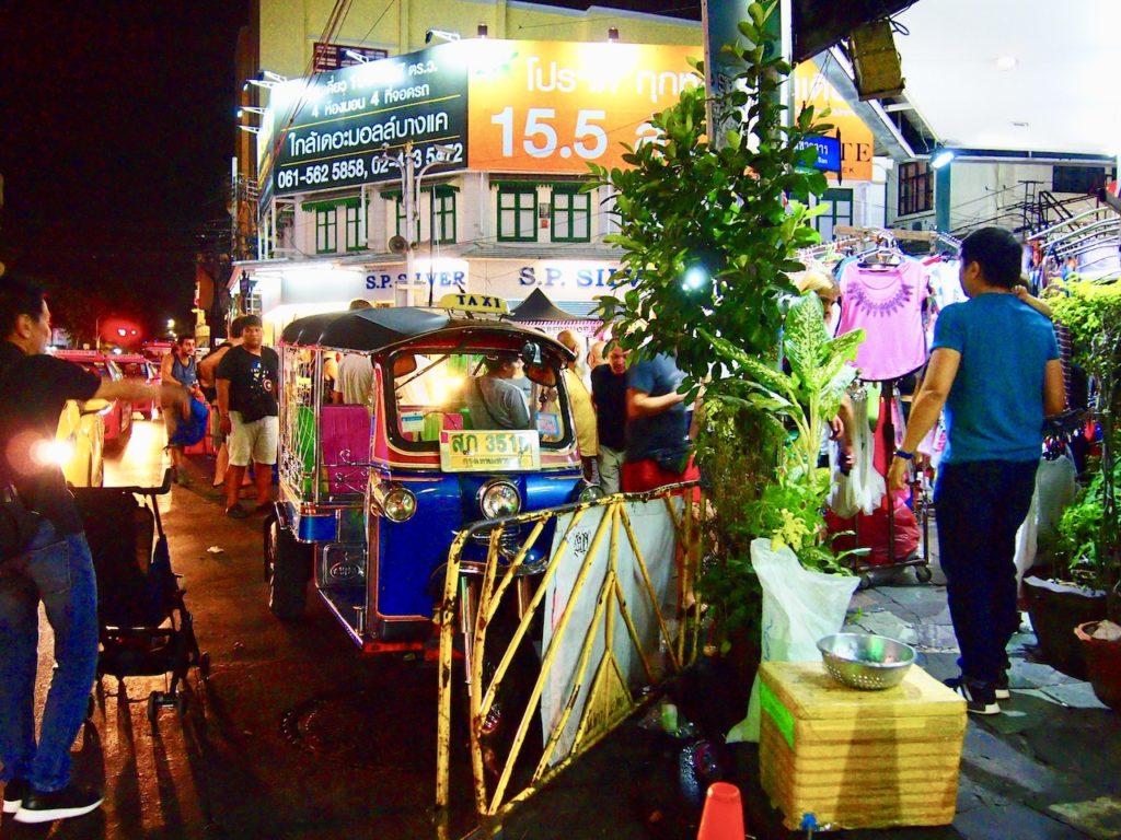 バンコクに来る旅人が必ず訪れる