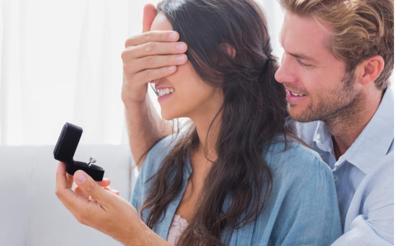 「俺と結婚してほしい」アラサー男性がついプロポーズしてしまった彼女の行動5つ