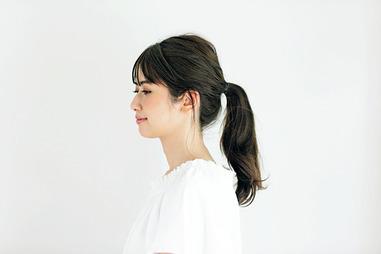 〈右〉オフショルTシャツ¥99