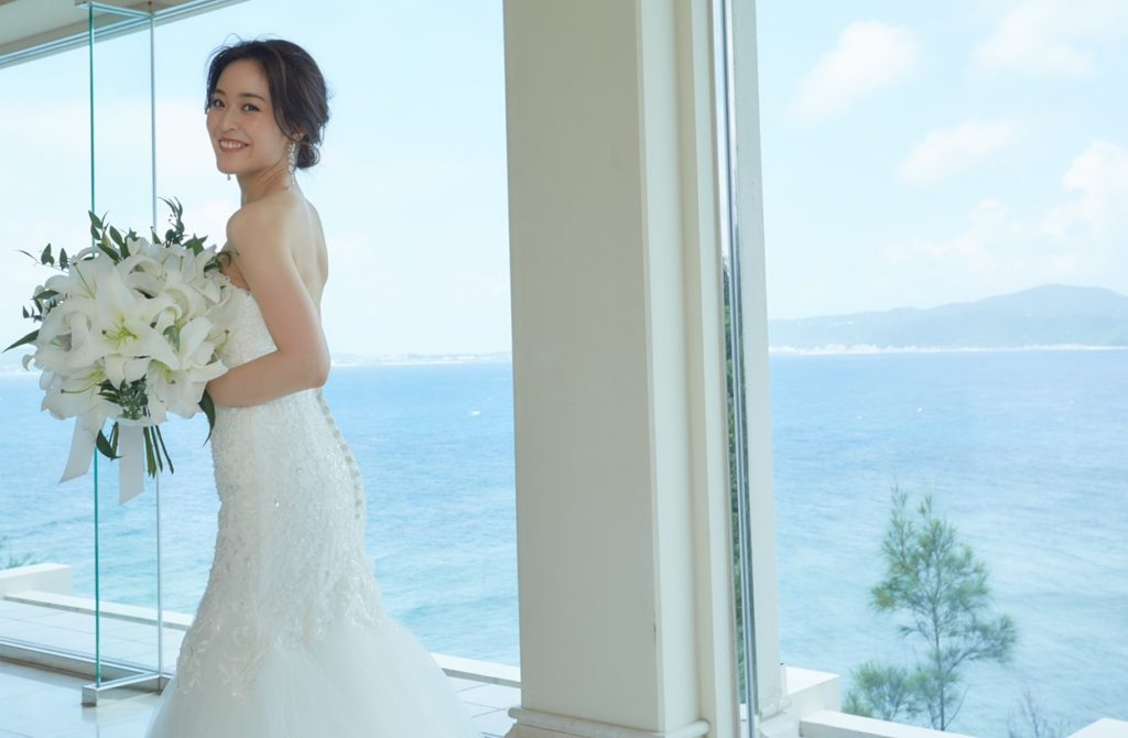 ドレス姿に華を添える、オシャレなブライダル小物って?【金城華乃子の結婚ブログVol.2】