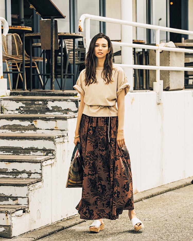 【今日の服装】人気のブラウンコーデを簡単にオシャレ見えさせる柄とは?【アラサー女子】