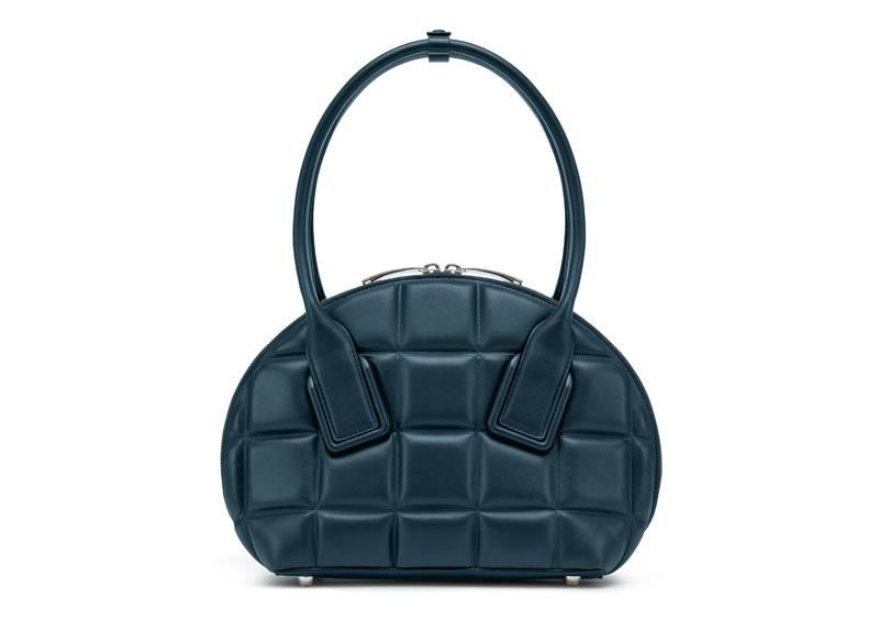 【日本限定!】「ボッテガ・ヴェネタ」の新作ミニバッグが素敵すぎる件!