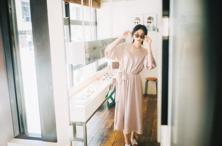 【今日の服装】シンプルなワンピースをオシャレ見せする工夫は?【アラサー女子】