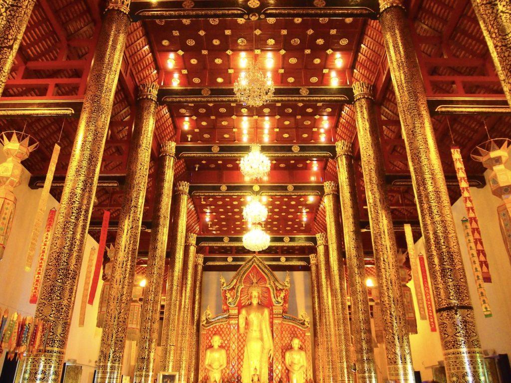 仏塔も素敵なのですが、訪れたな