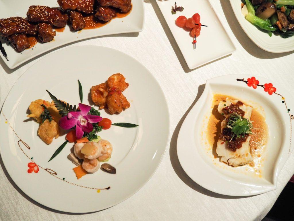 ランチは本格的な中国料理を堪能