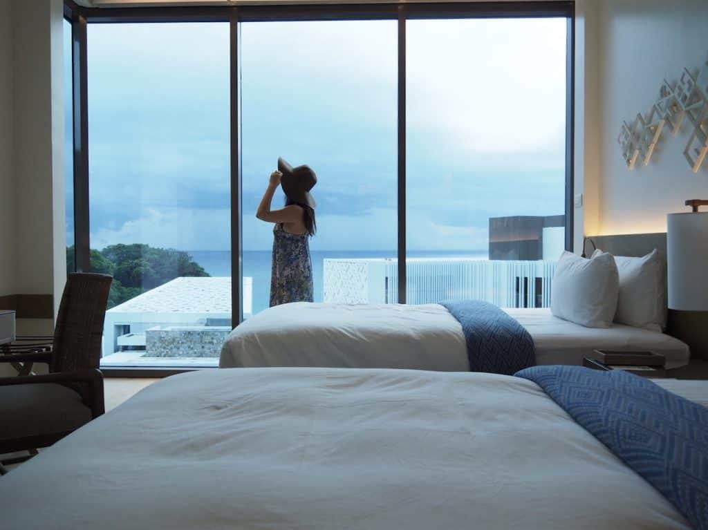 今アツい、フィリピンのボラカイ島に泊まろう!アラサートラベラーが惚れ込んだ、海と一体化する絶景ホテルって?【美し過ぎる島をライターが現地レポ②】
