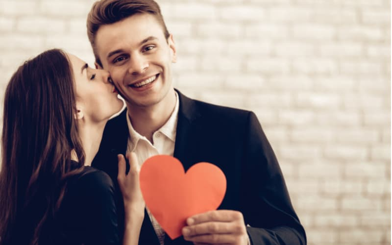 「一発で惚れちゃう…」男性が彼女にされて幸せを感じた瞬間5つ