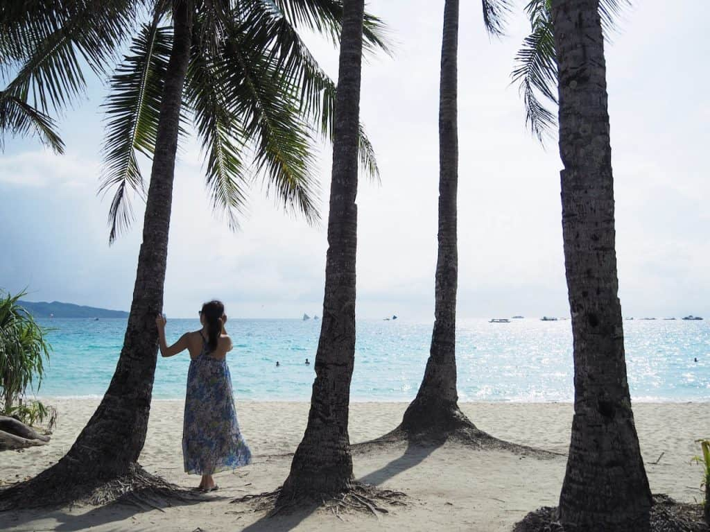 ボラカイ島のメインビーチ「ホワ