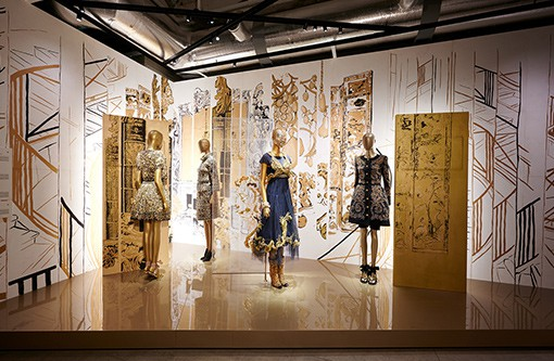 東京の新観光名所に!「シャネル」の創造を紐解く「マドモアゼル プリヴェ展」は注目度大!【期間限定】